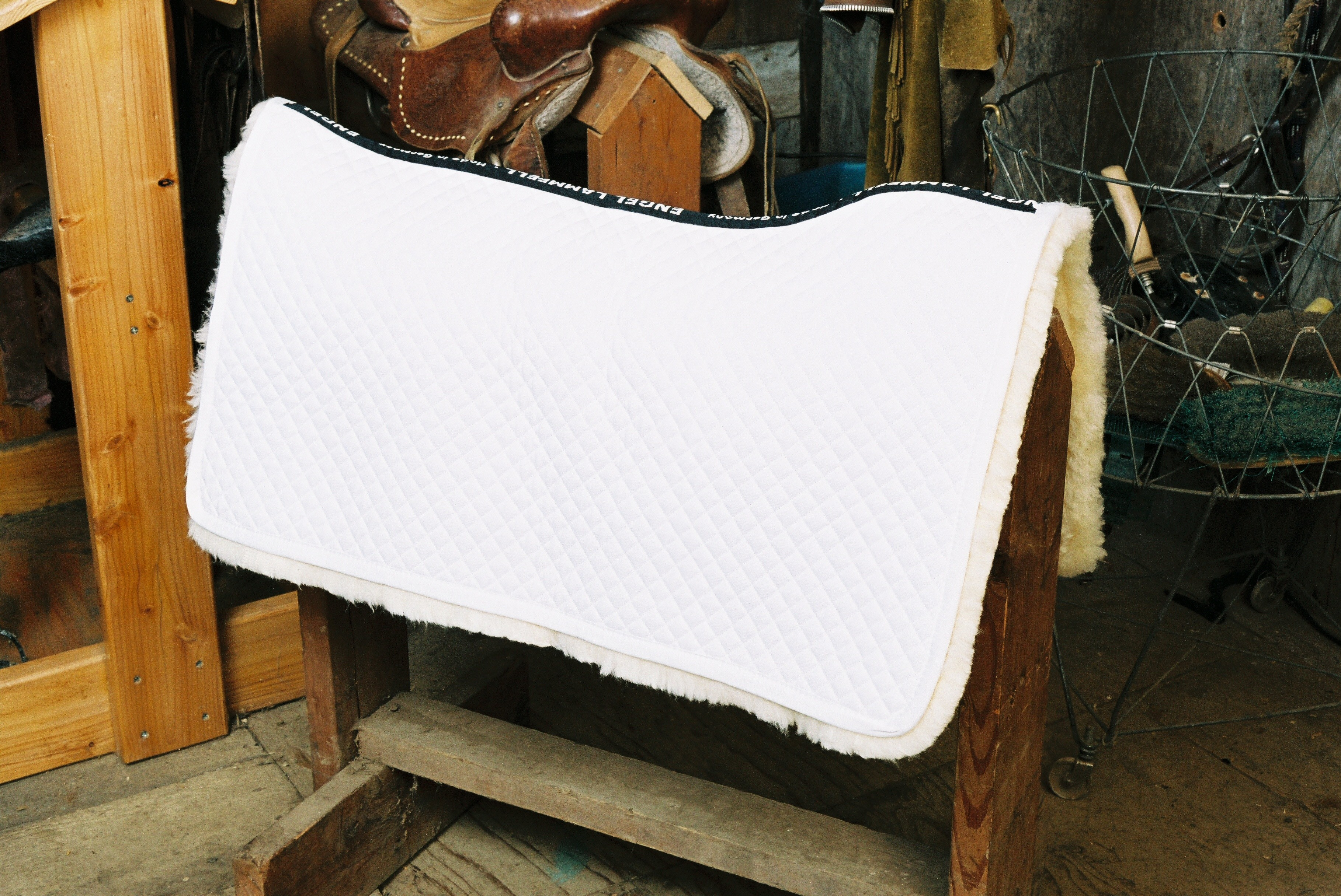 Western Saddle Blanket White