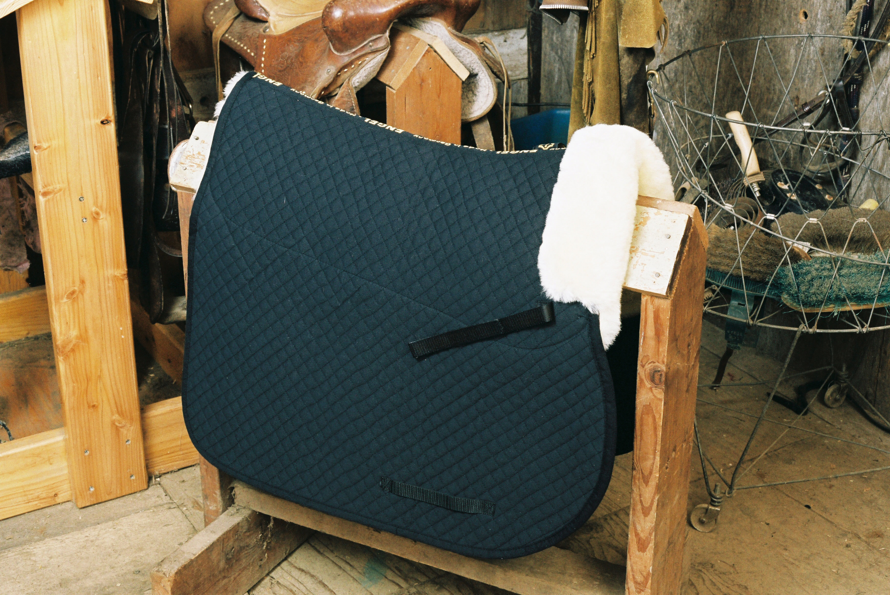 All Purpose Saddle Blanket with Pommel Roll Black