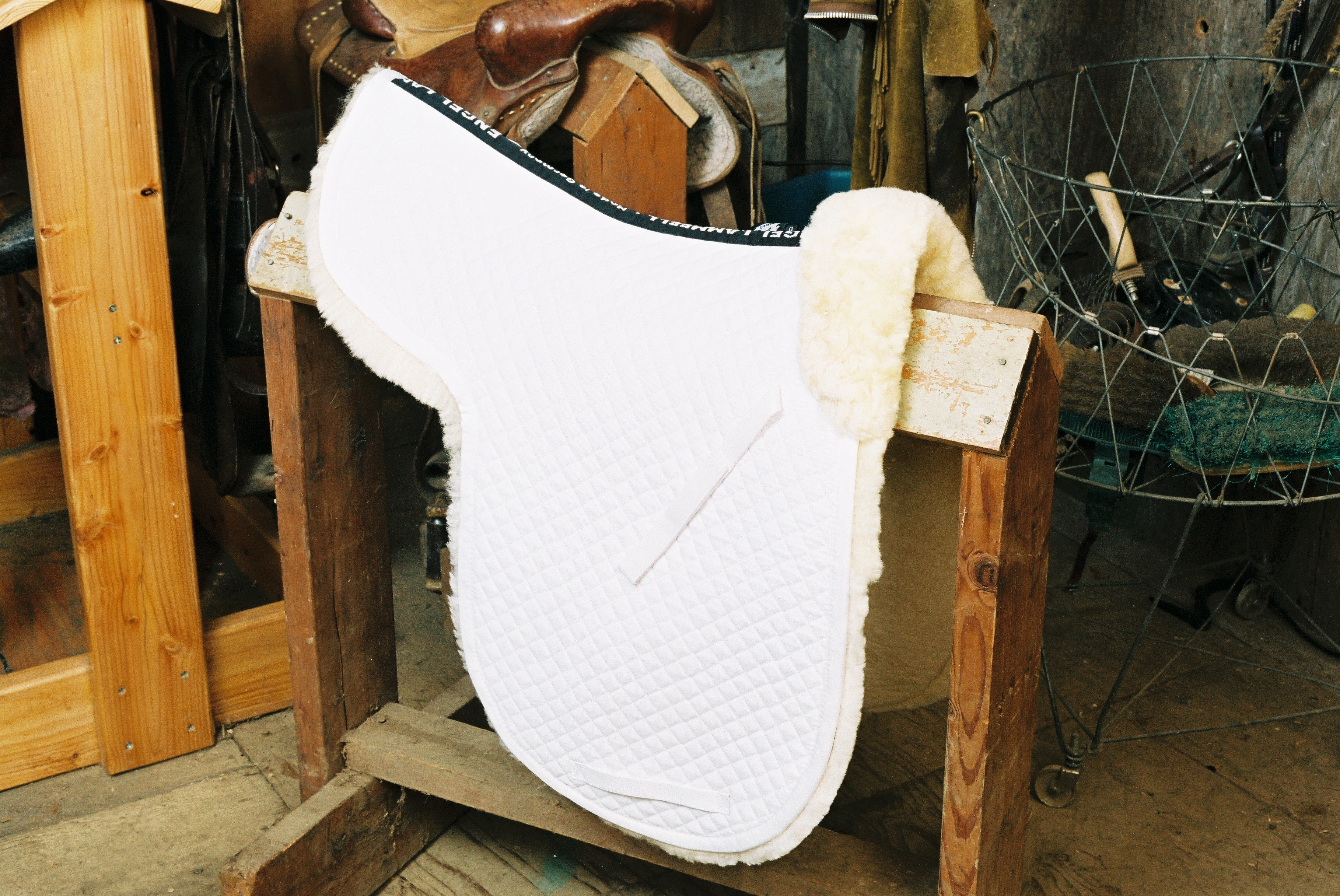 Dressage Numnah with Complete Lining White