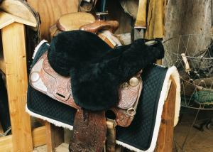 Full Western Saddle Seat Cover Black